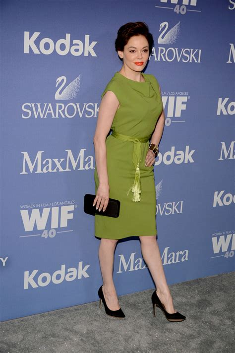 women in film s 2013 crystal lucy awards arrivals chin length rose mcgowan 2013 women in films 02 gotceleb