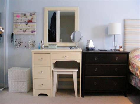 Small Vanity Ideas by Vanity Ideas For Small Bedroom Furniture Ideas For Small