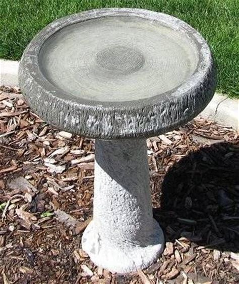 how to clean a bird bath without scrubbing all