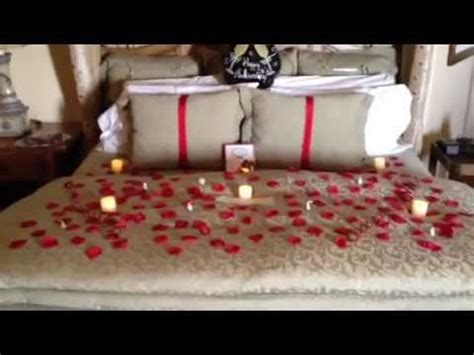 Wedding Anniversary Room Ideas by Tickle Pink Inn Room Decoration