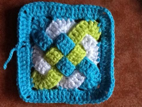 Knots Knitting On The Square - celtic knot square crochet stitches