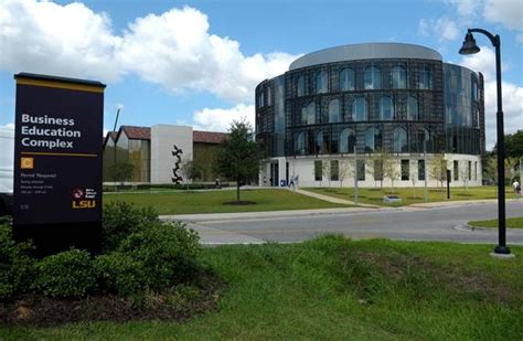 Lsu Vs Lsus Mba by Flores Mba Program Jumps 58 Spots In Rankings The