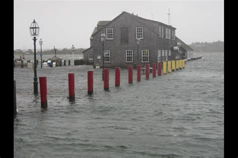 Chappaquiddick Yacht Club The Vineyard Gazette Martha S Vineyard News Hurricane Brings Wind Surging Seas
