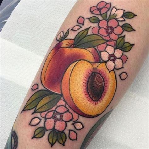 frische pfirsiche auf der haut tattoo peach tattoo and