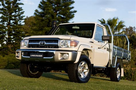 Toyota Landcruiser Cab Toyota Landcruiser 70 Series Dual Cab Ute Coming Photos