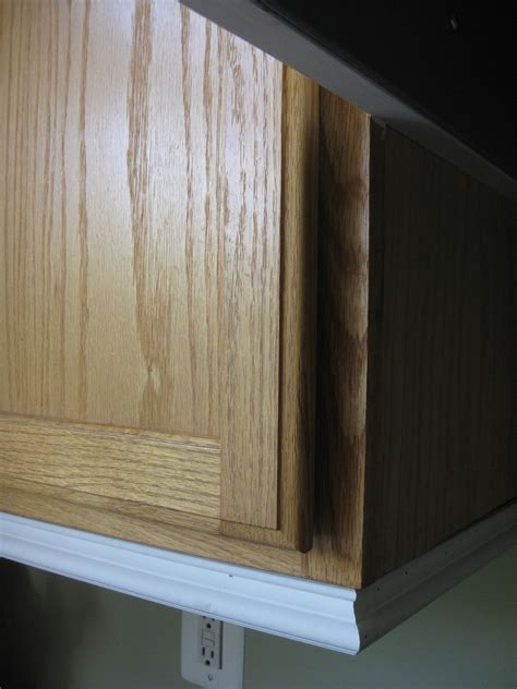 kitchen cabinet base molding remodelando la casa adding moldings to your kitchen cabinets