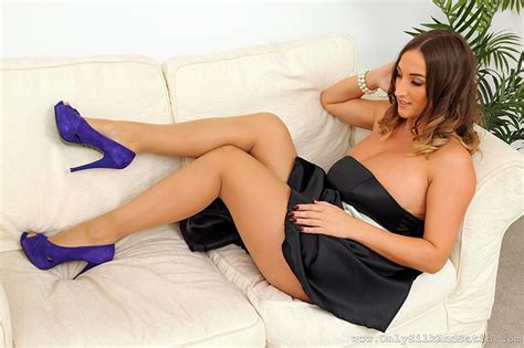 sofa porn pics picture stacey poole pantyhose brown haired girls legs