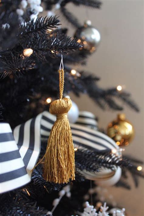 gold christmas decorations ideas   love feed