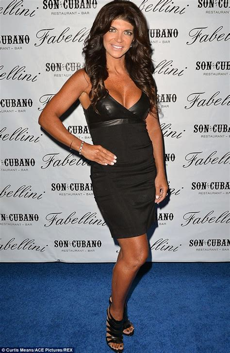 thrresa in prison update teresa giudice is visited for the first time in prison by
