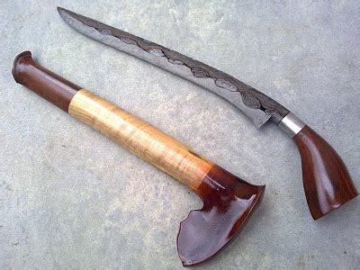 Pisau Tumbuk Lada pakaian senjata rumah tarian adat tanjungpinang
