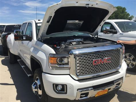 Duramax Diesel on the 2017 Chevrolet Silverado and GMC Sierra Heavy Duty Trucks   Pettijohn Auto
