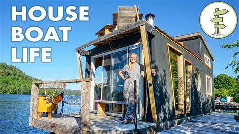 A House For The Season Living On A 4 Season Houseboat Beautiful Floating Tiny