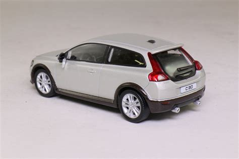 silver volvo c30 welly 1 43 scale volvo c30 metallic silver excellent