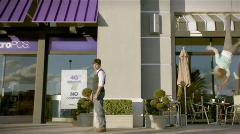 metro pcs commercial actress yoga metropcs tv commercial traps featuring carlos santos