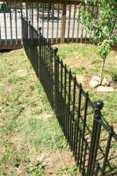 Garden Fence Lowes by How To Install Lowe S Empire No Dig Fencing House Ideas