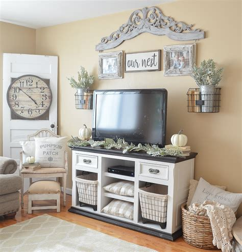fall decorating on a budget how to nest for less 3 simple tips to decorate for fall on a budget