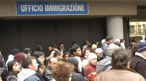 documenti per rinnovare permesso di soggiorno immigrati mutanda day contro il caro permessi