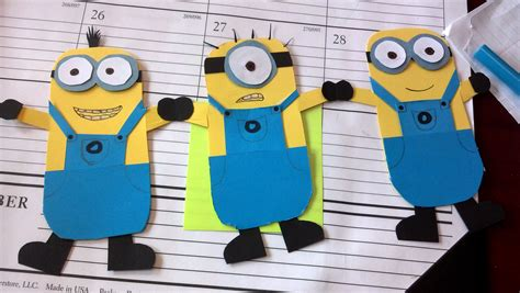 How To Make Paper Minions - minion paper chain cakey hankerson great adventures