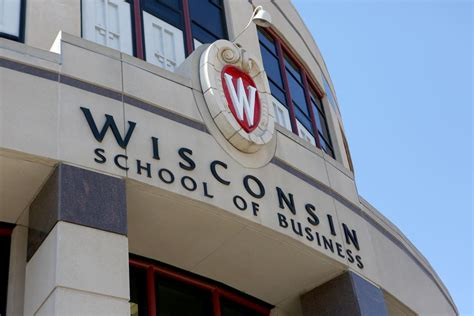 Of Wisconsin Ranking Mba by Held Back How Wisconsin School Of Business Donors Stalled