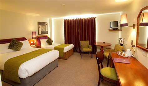 Family Hotel Derry   Family Rooms in Waterfoot Hotel Derry