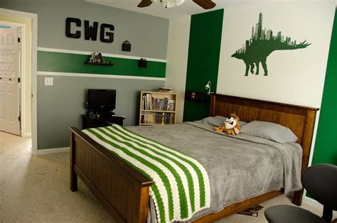 green and grey bedroom it only gets better cameron s new green and grey bedroom
