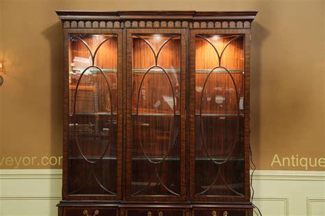 traditional inlaid mahogany china cabinet hutch breakfront