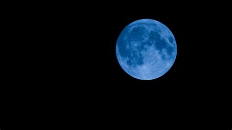 blue moon why a blue moon s not really blue howstuffworks