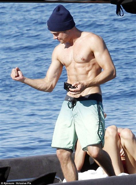 zac efron hands zac efron and michelle rodriguez confirm romance hands