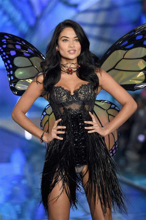 s runway secret shanina shaik 2015 s secret fashion show runway