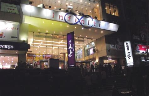 infinity mall andheri 5 best and shopping malls in mumbai for shopping tour