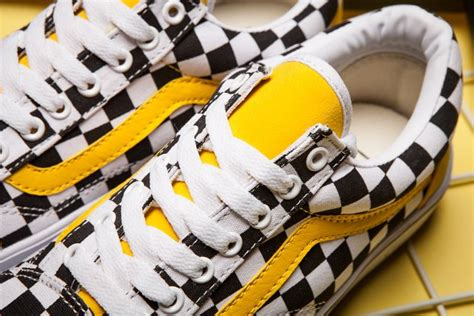 Vans Sk8hi Classic Dt Bnib new vans skool classic black and white yellow