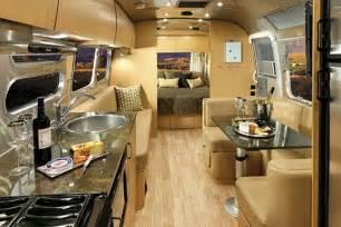 Sandpiper Travel Trailer Floor Plans 2017 Airstream Flying Cloud D 233 Cors Amp Interiors Airstream Com