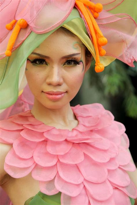 vestito carnevale fiore costumi di carnevale fai da te facili per adulti foto