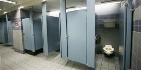 bagni pubblici ragusa riaperti bagni pubblici