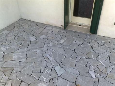 pietra per pavimenti esterni pavimento in pietra pavimentazioni come realizzare un