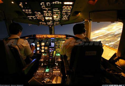 cabina di pilotaggio airbus a380 boeing 757 251 northwest airlines aviation photo