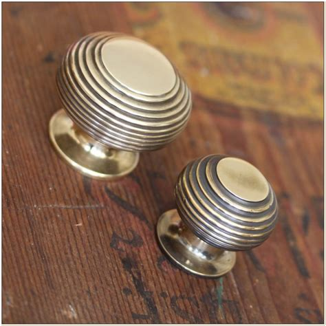 kitchen cabinet door knobs uk home design ideas kitchen cabinet door knobs uk cabinet home design