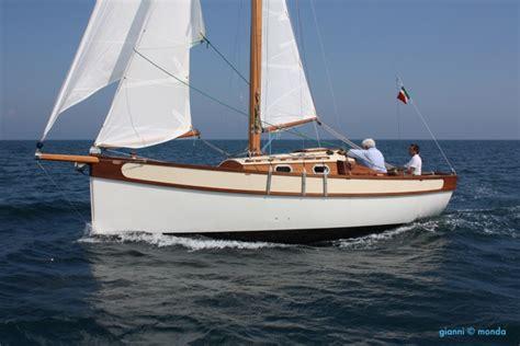 piccoli cabinati a vela barche classiche a vela