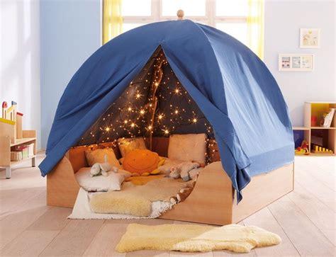 comment faire une cabane dans une chambre les 25 meilleures id 233 es de la cat 233 gorie lit cabane sur