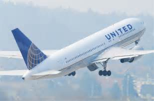United Baggage United Airlines Grounds Economy Travelers With Mileageplus