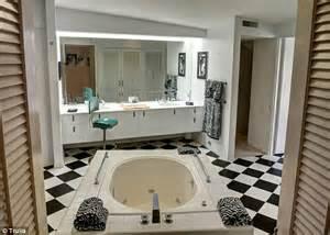 elvis presley bathroom elvis presley s palm springs honeymoon hideaway goes back
