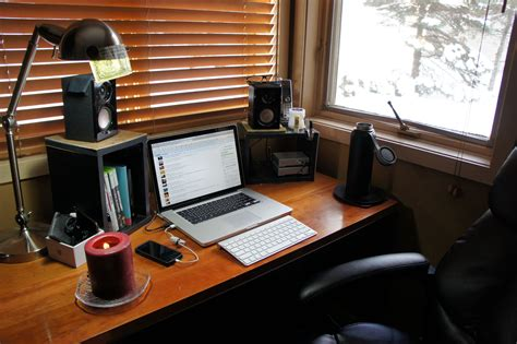 Small Desk Setup Laptop Desk Setup Laptop Monitor Desk Setup Laptop External Monitor Desk Setup Nanudeal