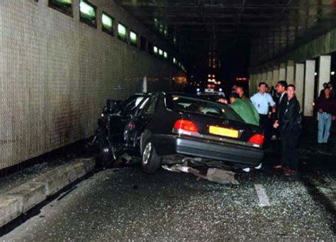 dies in car crash on this day in 1997 princess diana 36 dies in a car