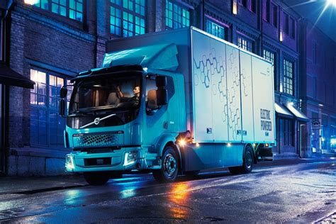 volvo 2019 electrique volvo delivers their fully electric trucks to