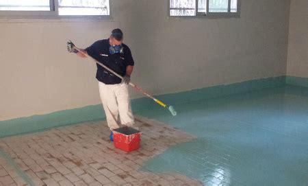 come pulire la muffa dai muri interni 187 pavimenti in resina su piastrelle
