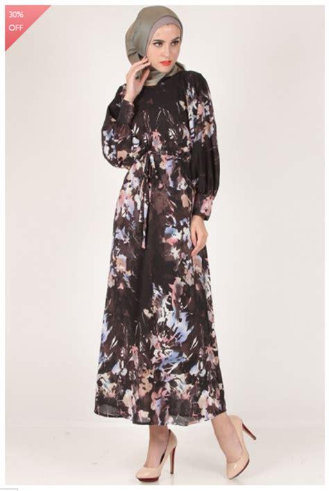 contoh dress kain lees foto yang satu ini terlihat lebih elegan dengan balutan
