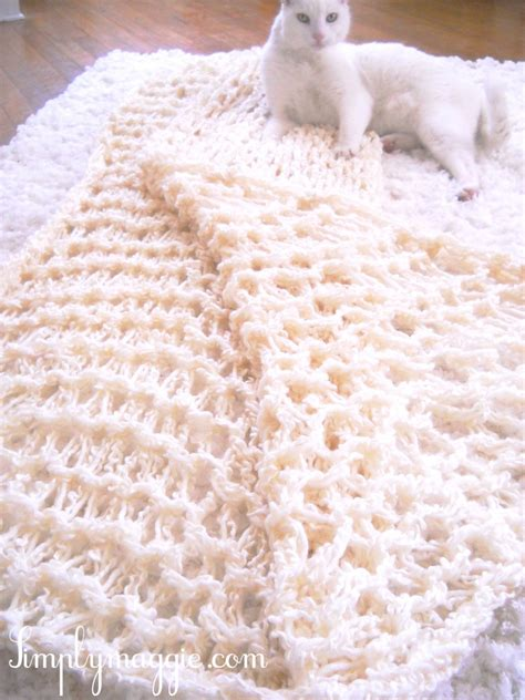 how to arm knit a blanket the fuzzy corner arm knitting diy amazing scarf blanket