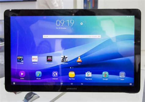 Samsung 12 Inch samsung sm w700 is a 12 inch windows 10 tablet geeky gadgets