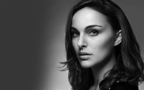 black and white wallpaper of actress natalie portman hollywood actress wallpapers hd