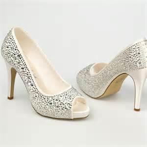 chaussure mariage poudrã chaussure mariage ivoire en satin 224 bout ouvert talon 11 cm roxanne westerleigh